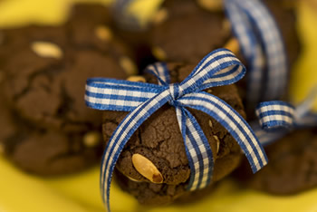 COOKIES DE BROWNIE COM AMENDOIM